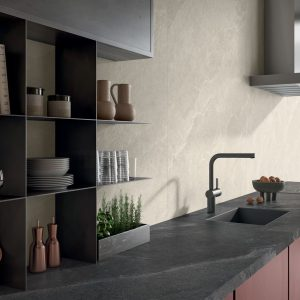 7557_n_PAN-stonetrace-abyss-naturale-6mm-glade-naturale-6mm-kitchen-003